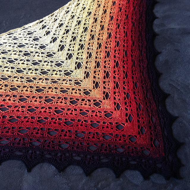 Free pattern] Fallen Autumn Leaf - Crochet Wrap   Diy Smartly
